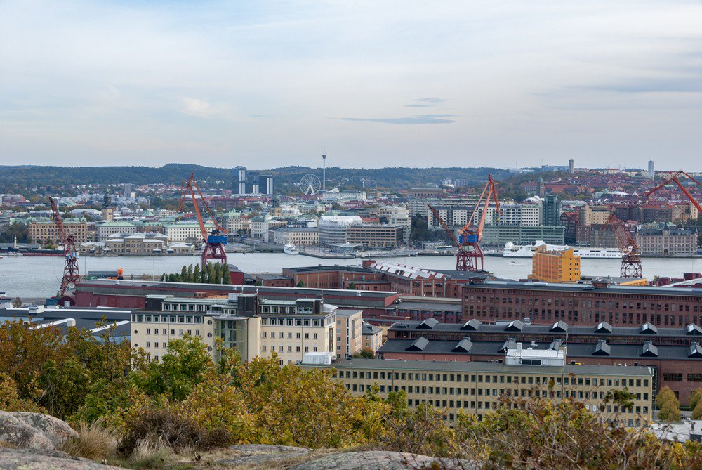 A two-year experiment cutting working hours while maintaining pay levels for nurses at Svartedalen old people's home in the Swedish city of Gothenburg is now nearing the end. But the city has no plans in making the measure permanent or broadening it to other facilities. (Shutterstock/File)