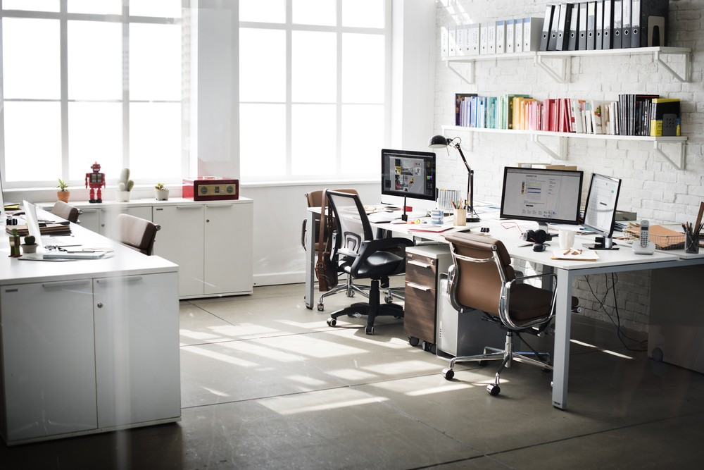 Experts say having green plants and pleasant aromas in the workplace reduces stress. (Shutterstock/-)